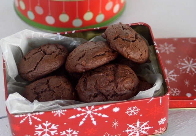 Chocolate cheesecake cookies are indulgent, rich treats perfect for dessert and ship well for mailing to your favorite chocoholic.