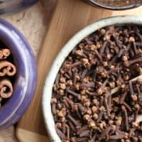 Cinnamon Tea for Soothing Sore Throats