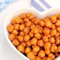 Smokey Maple Roasted Chickpeas - vegan & gluten free ActiFry recipe!